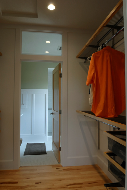 Go Through Closet To Get To Master Bath?